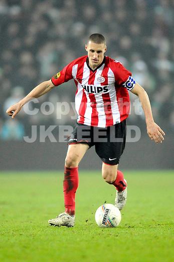 voetbal fc groningen - psv eredivisie seizoen 2008-2009 21-02-2009 timmy simons.  fotograaf jan kanning. . . .