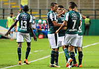 PALMIRA - COLOMBIA-18-07-2018: Jose Sand ( segundo desde Izq) jugador del Deportivo Cali (COL) celebra después de anotar el tercer gol de su equipo a Bolívar (BOL) durante partido de la segunda fase, llave 8, por la Copa CONMEBOL Sudamericana 2018 jugado en el estadio Palmaseca de la ciudad de Palmira. / Jose Sand (second from L) player of Deportivo Cali (COL) celebrates after scoring the third goal of his team to Bolivar (BOL) during match of the second phase, key 8, for the CONMEBOL Sudamericana Cup 2018 played at Palmaseca stadium in Palmira city.  Photo: VizzorImage/ Nelson Rios / Cont