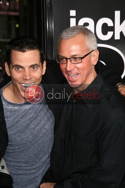 Steve O and Dr. Drew Pinsky<br /> at the premiere of &quot;Jackass 3D,&quot; Chinese Theater, Hollywood, CA. 10-13-10<br /> Dave Edwards/DailyCeleb.com 818-249-4998