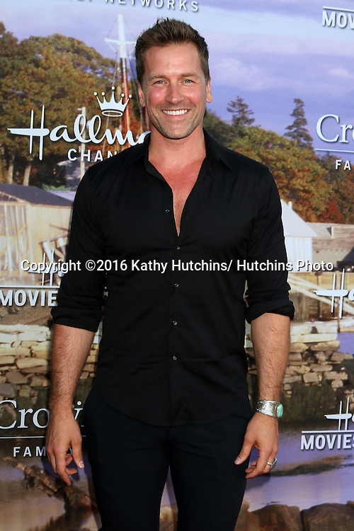LOS ANGELES - JUL 27:  Paul Greene at the Hallmark Summer 2016 TCA Press Tour Event at the Private Estate on July 27, 2016 in Beverly Hills, CA