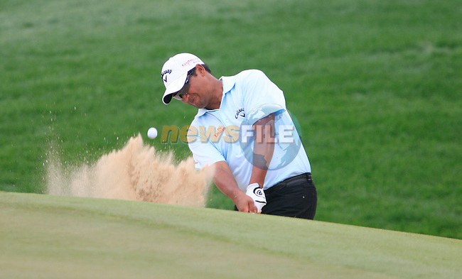 Michael Campbell plays out of a bunker at the11th green during Thusday Day 1 of the Abu Dhabi HSBC Golf Championship, 20th January 2011..(Picture Eoin Clarke/www.golffile.ie)