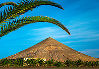Spanien, Kanarische Inseln, Fuerteventura, bei La Oliva: Berg Fronton | Spain, Canary Island, Fuerteventura, near La Oliva: mountain Fronton
