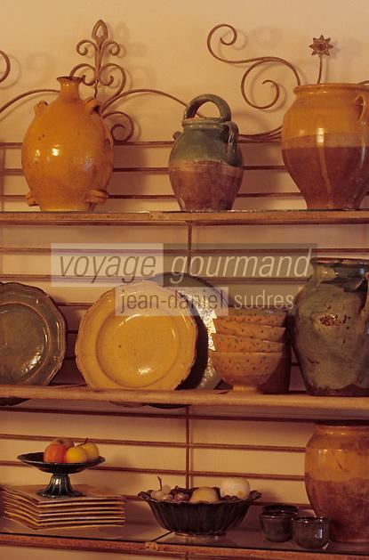 """Europe/France/Provence-Alpes-Côte- d'Azur/84/Vaucluse/Avignon: détail décoration de la Maison d'Hotes d'Olga Manguin """"L'Anastasy"""" - IIe de la Barthelasse"""
