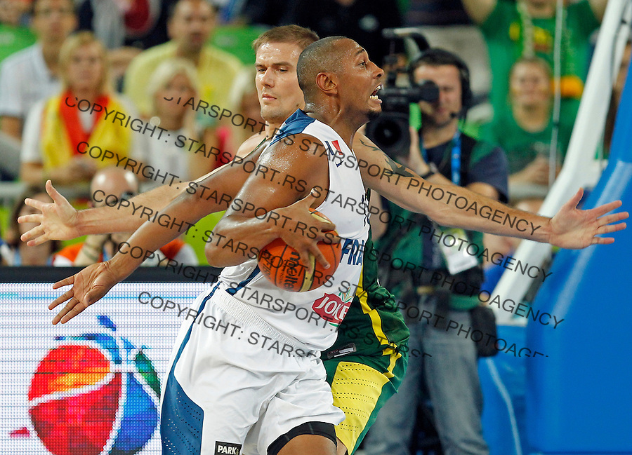 """France`s Boris Diaw in action during European basketball championship """"Eurobasket 2013""""  final basketball game between France and Lithuania in Stozice Arena in Ljubljana, Slovenia, on September 22. 2013. (credit: Pedja Milosavljevic  / thepedja@gmail.com / +381641260959)"""