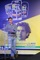 SAO PAULO, SP, 04.11.2013 - GILLETTE AYRTON SENNA - Apresentador de TV Luciano Hulk durante anuncio de campanha Gillette com homenagem a Ayrton Senna na tarde desta segunda-feira no bairro da Vila Olimpia regiao oeste da cidade de Sao Paulo. (Foto: Vanessa Carvalho / Brazil Photo Press).