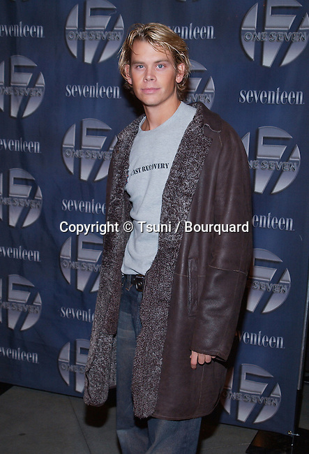 Eric Christian Olsen at the opening of One Seven at Hollywood & Highland in Los Angeles, Ca. Friday, November 30,  2001.           -            OlsenEricChristian06.jpg