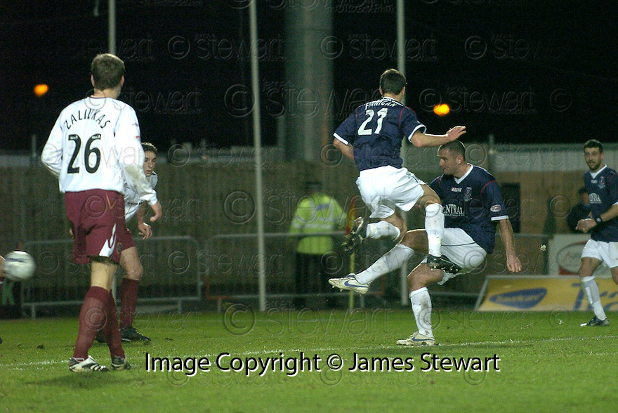 29/12/2007    Copyright Pic: James Stewart.File Name : sct_jspa09_falkirk_v_hearts.MICHAEL HIGDON SCORES FALKIRK'S WINNER.James Stewart Photo Agency 19 Carronlea Drive, Falkirk. FK2 8DN      Vat Reg No. 607 6932 25.Office     : +44 (0)1324 570906     .Mobile   : +44 (0)7721 416997.Fax         : +44 (0)1324 570906.E-mail  :  jim@jspa.co.uk.If you require further information then contact Jim Stewart on any of the numbers above.........