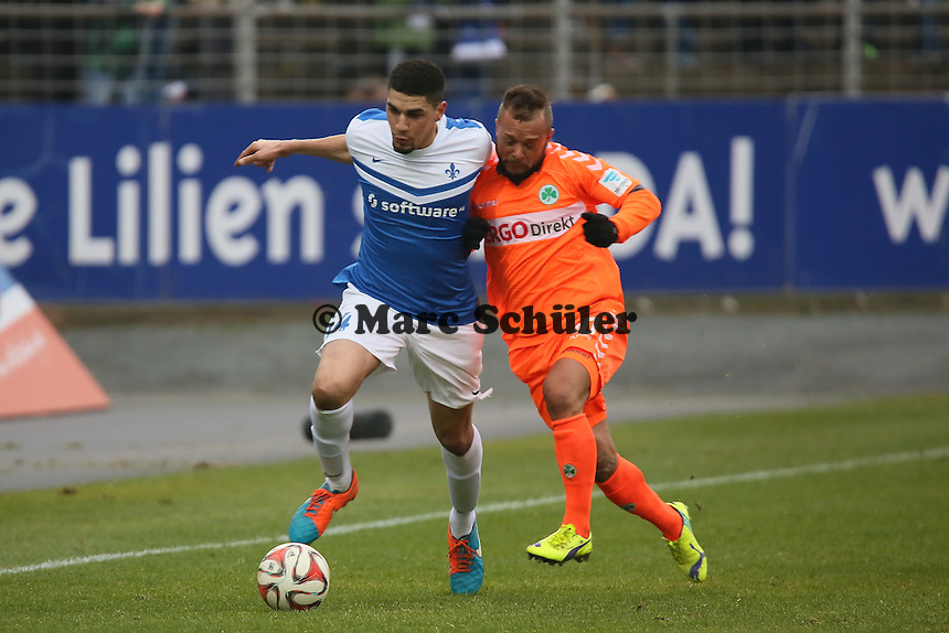 Leon Balogun (SV98) gegen Stephan Schroeck (Fuerth) - SV Darmstadt 98 vs. SpVgg. Greuther Fuerth, Stadion am Boellenfalltor