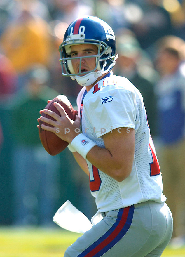Eli Manning during the Giants v. Packers game on October 3, 2004...Chris Bernacchi / SportPics