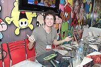 SAO PAULO, SP, 30.08.2014 - BIENAL INTERNACIONAL DO LIVRO DE SAO PAULO - O escritor Vitor Mariano Cafaggi durante a Bienal Internacional do Livro de Sao Paulo no Anhembi neste sabado, 30. (Foto: Carlos Pessuto / Brazil Photo Press).