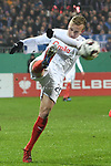 06.02.2019,  GER; DFB Pokal, Holstein Kiel vs FC Augsburg ,DFL REGULATIONS PROHIBIT ANY USE OF PHOTOGRAPHS AS IMAGE SEQUENCES AND/OR QUASI-VIDEO, im Bild Einzelaktion Hochformat Jannik Dehm (Kiel #20)  Foto © nordphoto / Witke
