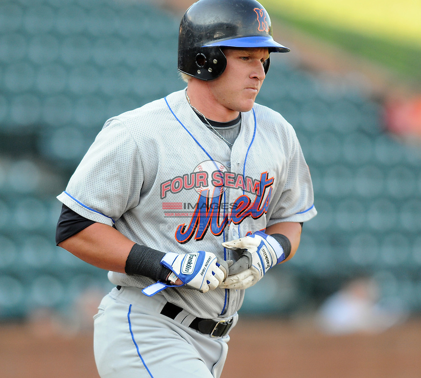 August 2, 2009: Catcher Tyler Howe (18) of the Kingsport Mets, rookie Appalachian League affiliate of the New York Mets, in a game at Pioneer Park in Greeneville, Tenn. Photo by:  Tom Priddy/Four Seam Images