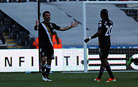 Pictured: (L-R) Giorgos Karagounis, Hugo Rodallega.<br />
