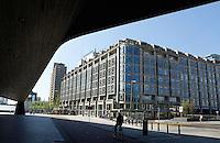 Het Groot Handelsgebouw naast Centraal station in Rotterdam