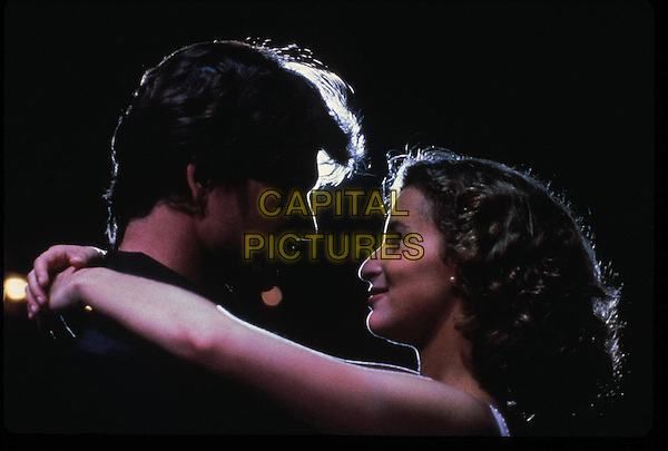 PATRICK SWAYZE & JENNIFER GREY.in Dirty Dancing.*Filmstill - Editorial Use Only*.CAP/FB.Supplied by Capital Pictures.