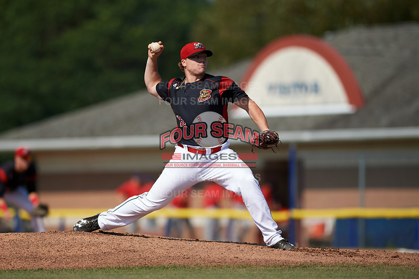 Batavia Muckdogs starting pitcher Taylor Braley (10) delivers a pitch during the second game of a doubleheader against the Williamsport Crosscutters on August 20, 2017 at Dwyer Stadium in Batavia, New York.  Batavia defeated Williamsport 4-3.  (Mike Janes/Four Seam Images)