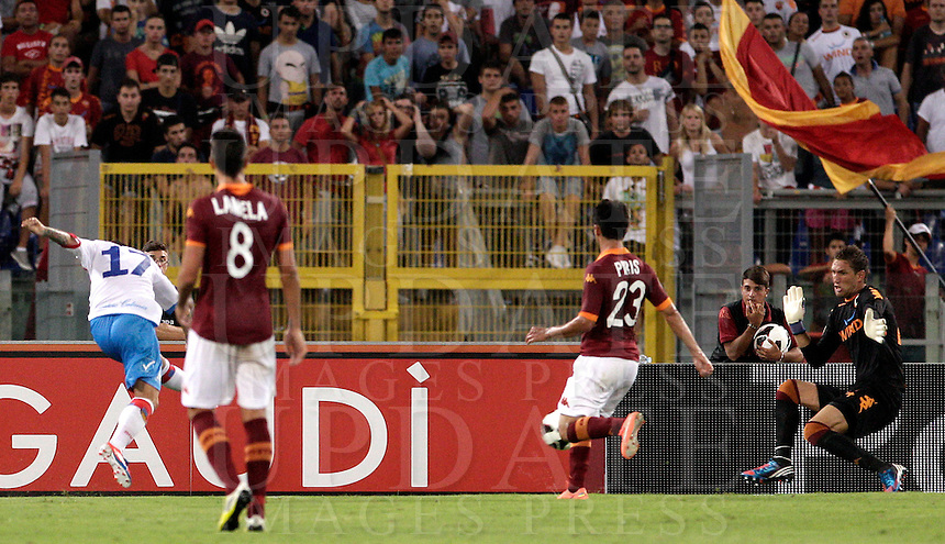 Calcio, Serie A: Roma-Catania. Roma, stadio Olimpico, 26 agosto 2012..Catania forward Alejandro Gomez, of Argentina, left, scores as AS Roma goalkeeper Maarten Stekelenburg, of the Netherlands, right, tries to save the ball, during the Italian Serie A football match between AS Roma and Catania, at Rome, Olympic stadium, 26 August 2012. .UPDATE IMAGES PRESS/Riccardo De Luca