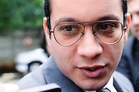 SAO PAULO, SP, 19 FEVEREIRO 2013 - JULGAMENTO- Gil Rugai ghega no Forum para começar o jugamneto às 9h30 desta terça-feira (19) no plenário do Fórum Criminal da Barra Funda, na Zona Oeste da capital paulista. Neste segundo dia, mais duas testemunhas de acusação, Alberto Bazaia Neto, amigo de Gil Rugai, e o delegado Rodolfo Chiarelli, que presidiu o inquérito que investigou o caso, deverão ser ouvidos. Em seguida, estão previstas o depoimento de ao menos nove testemunhas da defesa e, por último, mais uma do juízo.(FOTO: ADRIANO LIMA / BRAZIL PHOTO PRESS).