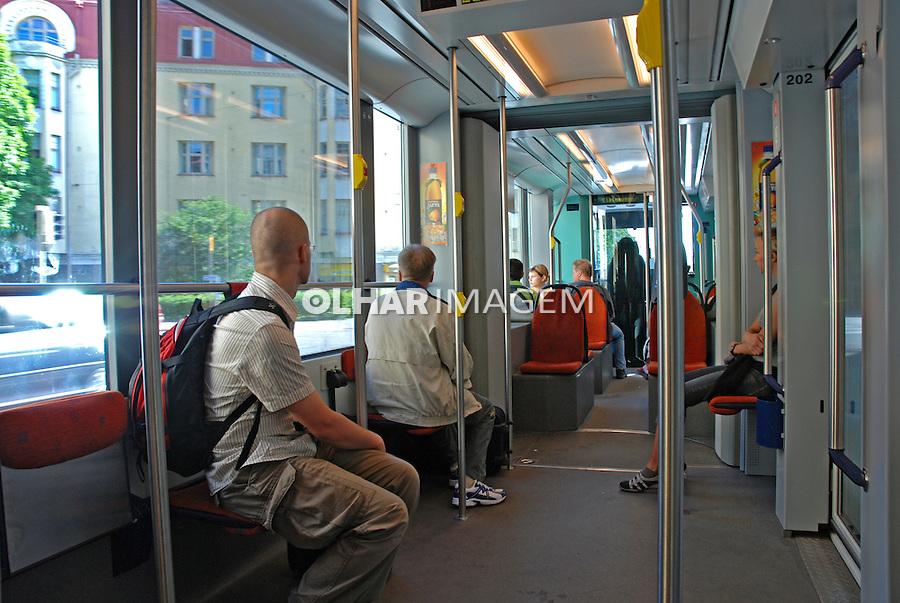 Transporte público em Helsinki. Finlândia. 2007. Foto de Vinicius Romanini.