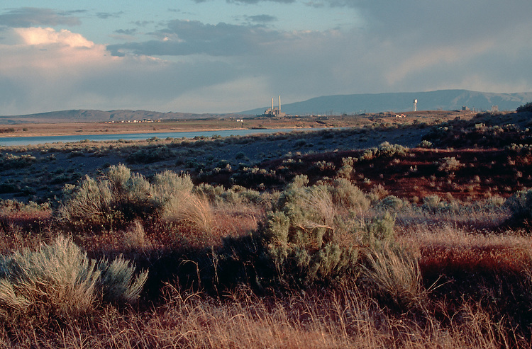 Hanford Site, Department of Energy, Deactivated 100-N atomic reactors from Hanford Reach National Monument, Columbia River, Eastern Washington State, Pacific Northwest, USA, ..