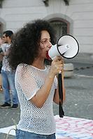 NAPOLI, ITALIA, 27.07.2016 - PROTESTO-ITALIA - <br /> Professores e alunos durante ato contra a tentativa de golpe na Turquia na &uacute;ltima semana, o ato aconteceu na regi&atilde;o central de Napoli na Italia neste quarta-feira, 27. (Foto: Salvatore Esposito/Brazil Photo Press)