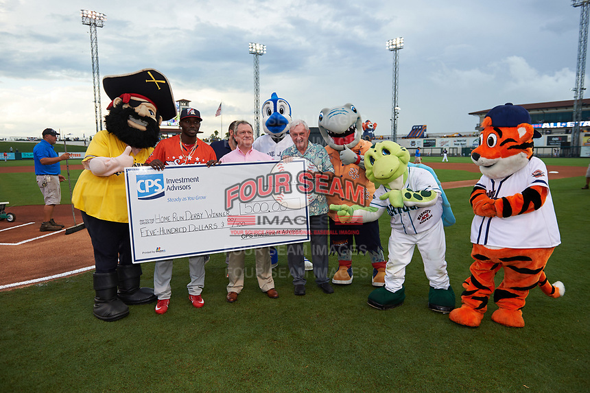 Palm Beach Cardinals Randy Arozarena holds up a ceremonial check presented for being the home run derby champion before Florida State League All-Star Game on June 17, 2017 at Joker Marchant Stadium in Lakeland, Florida.  Arozarena won the home run derby with five home runs after the finals were called due to inclement weather.  FSL North All-Stars  defeated the FSL South All-Stars  5-2.  (Mike Janes/Four Seam Images)
