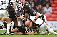 2005/06 Guinness Premiership Rugby, Saracens vs Leeds Tykes, Sarries Matt Cairns touches down after the forward push. Vicarage Road, Watford, ENGLAND: Sunday 11.09.2005.   © Peter Spurrier/Intersport Images - email images@intersport-images..   [Mandatory Credit, Peter Spurier/ Intersport Images].
