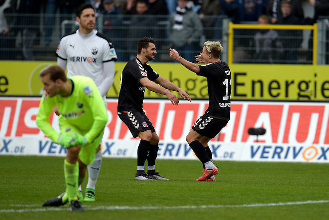 GER - Sandhausen, Germany, March 19: During the 2. Bundesliga soccer match between SV Sandhausen (white) and FC ST. Pauli (grey) on March 19, 2016 at Hardtwaldstadion in Sandhausen, Germany. (Photo by Dirk Markgraf / www.265-images.com) *** Local caption *** Marc Rzatkowski #11 of FC St. Pauli celebrates after scoring 0-2