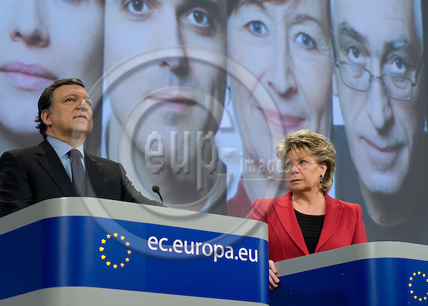 Brussels-Belgium - March 05, 2010 -- José (Jose) Manuel BARROSO (le), President of the European Commission, and Viviane REDING (ri), Vice-President of the European Commission, from Luxembourg, and in charge of Justice, Fundamental Rights and Citizenship, during a joint press conference in the HQ of the EC -- Photo: Horst Wagner / eup-images
