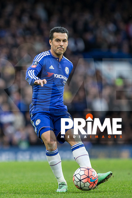 Pedro of Chelsea plays a pass during the FA Cup 5th round match between Chelsea and Manchester City at Stamford Bridge, London, England on 21 February 2016. Photo by Andy Rowland.