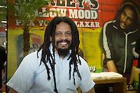 SAO PAULO, SP, 08 DE MAIO DE 2013. APAS 2013 - FEIRAS APAS 2013 - O filho do cantor Bob Marley, Rohan Marley, comparece ao stand da GlobalBev na Apas 2013 - Congresso e Feira de Negócios em Supermercados no Expo Center Norte para lançamento de nova bebida da marca. FOTO ADRIANA SPACA/BRAZIL PHOTO PRESS