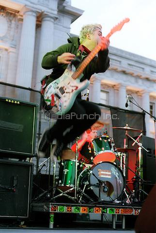 Greenday-Million Band March, Save San Francisco Ralley 11/5/00 Credit Jay Blakesberg / MediaPunch