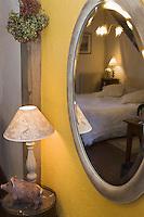 Europe/France/Aquitaine/24/Dordogne/Saussignac: La Queyssie: la chartreuse dans les vignes - Maison d'Hôtes- une chambre