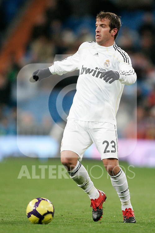 Real Madrid's Rafael van der Vaart during La Liga match, December 19, 2009. (ALTERPHOTOS/Alvaro Hernandez).