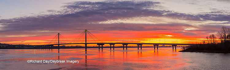 63895-15519 Clark Bridge at sunrise Alton IL