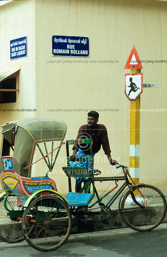 "S?dasien Asien Indien IND Pondicherry .ehemalige franzoesische Kolonie in Indien , Strasse mit Fahrradrikscha - xagndaz | .South Asia India Pondicherry street with bicycle rikshaw .| [ copyright (c) Joerg Boethling / agenda , Veroeffentlichung nur gegen Honorar und Belegexemplar an / publication only with royalties and copy to:  agenda PG   Rothestr. 66   Germany D-22765 Hamburg   ph. ++49 40 391 907 14   e-mail: boethling@agenda-fototext.de   www.agenda-fototext.de   Bank: Hamburger Sparkasse  BLZ 200 505 50  Kto. 1281 120 178   IBAN: DE96 2005 0550 1281 1201 78   BIC: ""HASPDEHH"" ,  WEITERE MOTIVE ZU DIESEM THEMA SIND VORHANDEN!! MORE PICTURES ON THIS SUBJECT AVAILABLE!! INDIA PHOTO ARCHIVE: http://www.visualindia.net ] [#0,26,121#]"