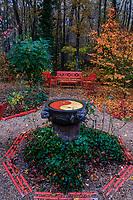 France, Indre-et-Loire (37), Amboise, la pagode de Chanteloup, le jardin anglo-chinois en automne