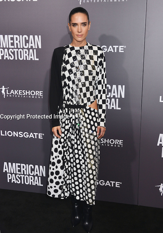 Jennifer Connelly @ the premiere of 'American Pastoral' held @ the Academy Theatre. October 13, 2016 , Beverly Hills, USA. # PREMIERE DU FILM 'AMERICAN PASTORAL' A BEVERLY HILLS