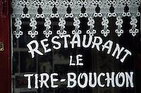 """Europe/France/Rhône-Alpes/69/Rhône/Lyon: Vieux Lyon: Détail de la façade du bouchon lyonnais """"Le Tire-Bouchon"""" dans la rue du Boeuf"""