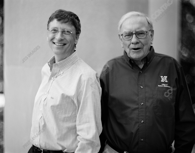 Bill Gates (left), co-founder and chairman of Microsoft Corporation, and Warren Buffett, investor and head of Berkshire Hathway, at the University of Nebraska. Lincoln, Nebraska, September 30, 2005.