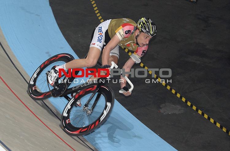 11.01.2014, &Ouml;VB Arena, Bremen, GER, Sixdays Bremen, im Bild Jesper Moerkoev (Team Atlantic Hotels #5)<br /> <br /> Foto &copy; nordphoto / Frisch