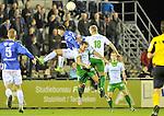 2015-10-24 / voetbal / seizoen 2015-2016 / ASV Geel - Dessel Sport / Een luchtduel tussen Alessio Allegria (l) (Geel), Seppe Brulmans (m) (Dessel Sport) en Kurt Remen (r) (Dessel Sport)
