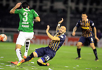 ROSARIO - ARGENTINA - 12-05-2016: Javier Pinola (Der.) jugador de Rosario Central de Argentina, disputa el balón con Felipe Aguilar (Izq.) jugador de Atletico Nacional de Colombia durante partido de ida de cuartos de final, entre Rosario Central y Atletico Nacional por la Copa Bridgestone Libertadores 2016 en el Estadio Gigante de Arroyito, de la ciudad de Rosario. / Javier Pinola (R) player of Rosario Central of Argentina, vies for the ball with Felipe Aguilar (L) player Atletico Nacional of Colombia, during a match for the first leg for the quarterfinal between Rosario Central and Atletico Nacional for the Bridgestone Libertadores Cup 2016, in the Gigante de Arroyito Stadium, in Rosario city. Photo: Photogamma / Mario Garcia / VizzorImage / Cont.