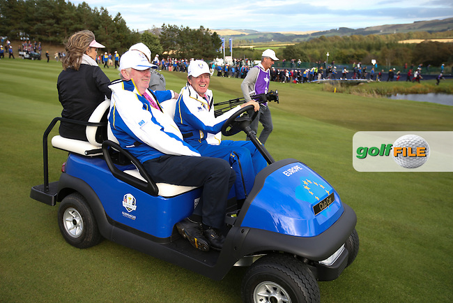 Des Smyth gives the camera a wave during Sunday's Singles at the 2014 Ryder Cup from Gleneagles, Perthshire, Scotland. Picture:  David Lloyd / www.golffile.ie
