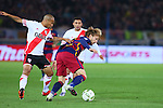 (L-R) Carlos Sanchez (River), Ivan Rakitic (Barcelona), <br /> DECEMBER 20, 2015 - Football / Soccer : <br /> FIFA Club World Cup Japan 2015 <br /> Final match between River Plate 0-3 Barcelona  <br /> at Yokohama International Stadium in Kanagawa, Japan.<br /> (Photo by Yohei Osada/AFLO SPORT)