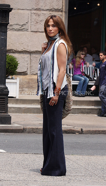WWW.ACEPIXS.COM . . . . .  ....July 16 2009, New York City....Actress Jennifer Lopez on the set of the new movie 'The Back-up Plan' in downtown Manhattan on July 16 2009 in New York City....Please byline: AJ Sokalner - ACEPIXS.COM..... *** ***..Ace Pictures, Inc:  ..tel: (212) 243 8787..e-mail: info@acepixs.com..web: http://www.acepixs.com