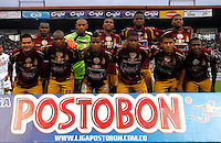 MANIZALES - COLOMBIA -23-02-2014: Los jugadores Deportes Tolima posan para una foto durante  partido de la fecha séptima por la Liga de Postobon I 2014 en el estadio Palogrande en la ciudad de Manizales. / The players of Deportes Tolima pose for a photo during a match for seventh date of the Liga de Postobon I 2014 at the Palogrande stadium in Manizales city. Photo: VizzorImage  / Santiago Osorio / Str.