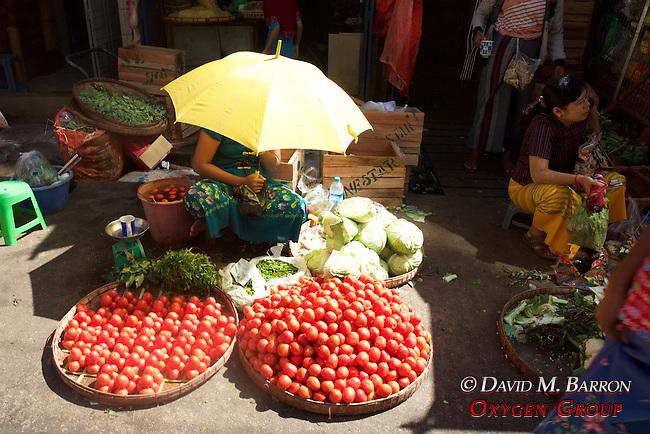 Selling Tomatoes, Gyee Zai Market
