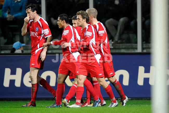 fc groningen - sc heerenveen eredivisie seizoen 2007-2008 14-03-2008 heerenveen viert de 0-1..  *** Local Caption ***