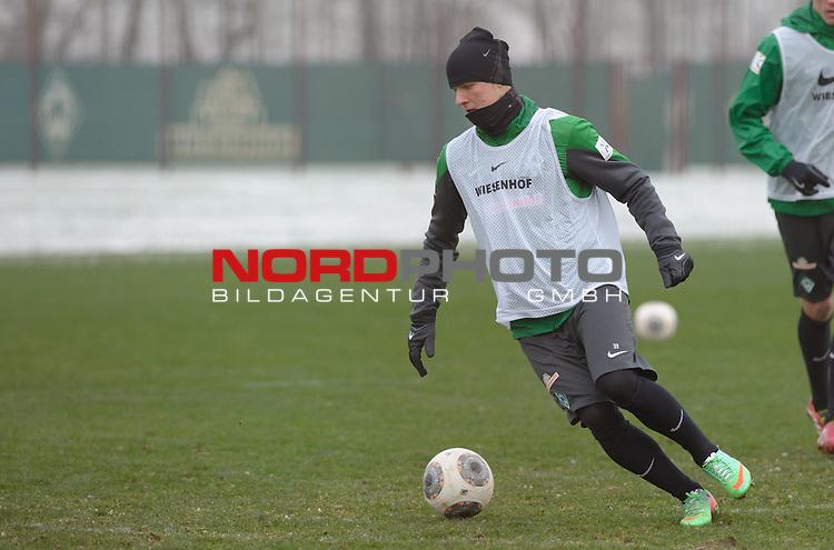 25.01.2014, Trainingsgelaende, Bremen, GER, 1.FBL, Training Werder Bremen, im Bild Martin Kobylanski (Bremen #33)<br /> <br /> Foto &copy; nordphoto / Frisch